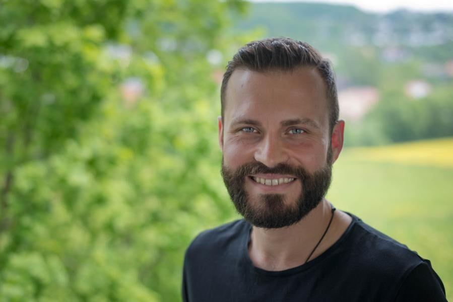 Interview mit Christian Bauer: Wie du dich mit kohärentem Wasser gegen Elektrosmog schützt und dein Immunsystem stärkst!