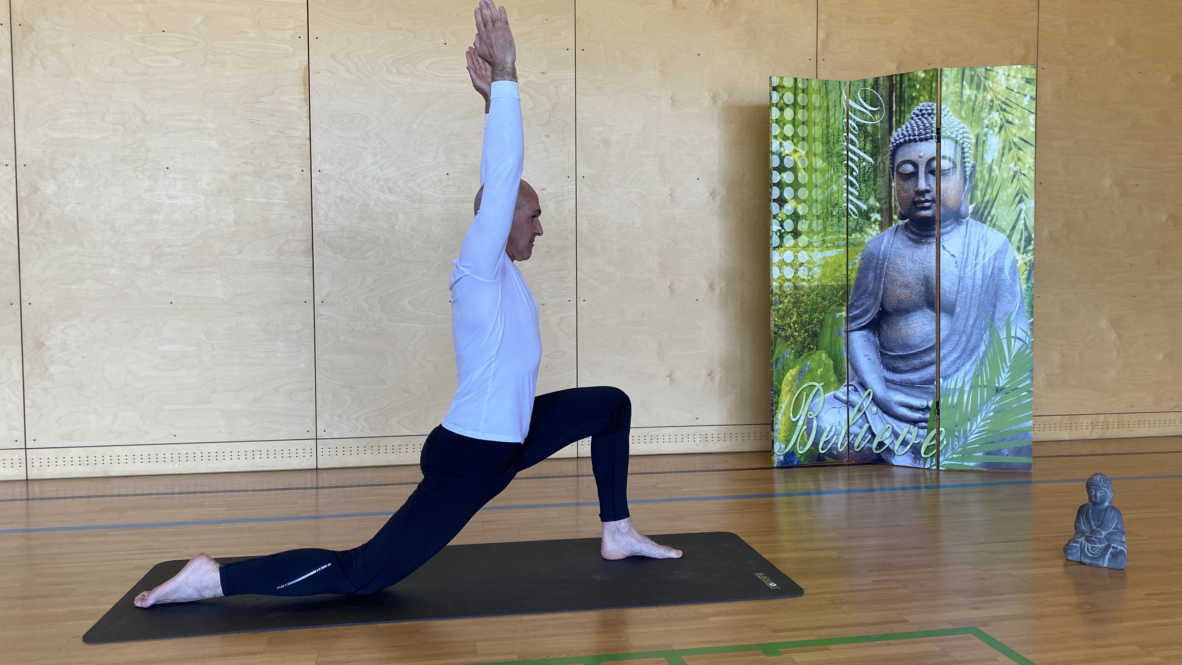 Namaste-Yoga für den aktiven Lifestyle – Ein Interview mit Johannes Gosch