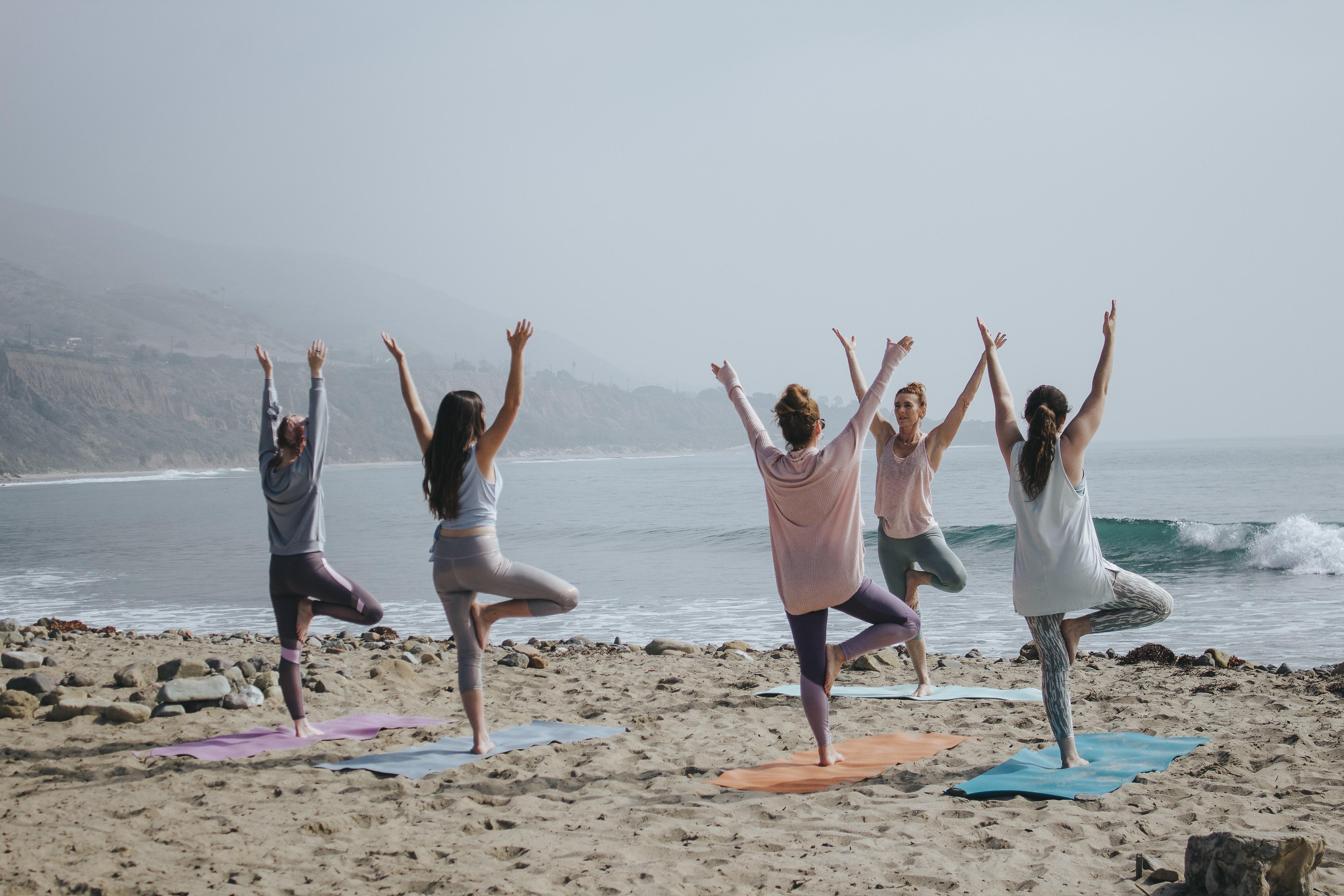 13 Yoga Benefits, die durch Studien bestätigt sind.